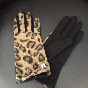 New Vince Camuto Leopard Warm Gloves